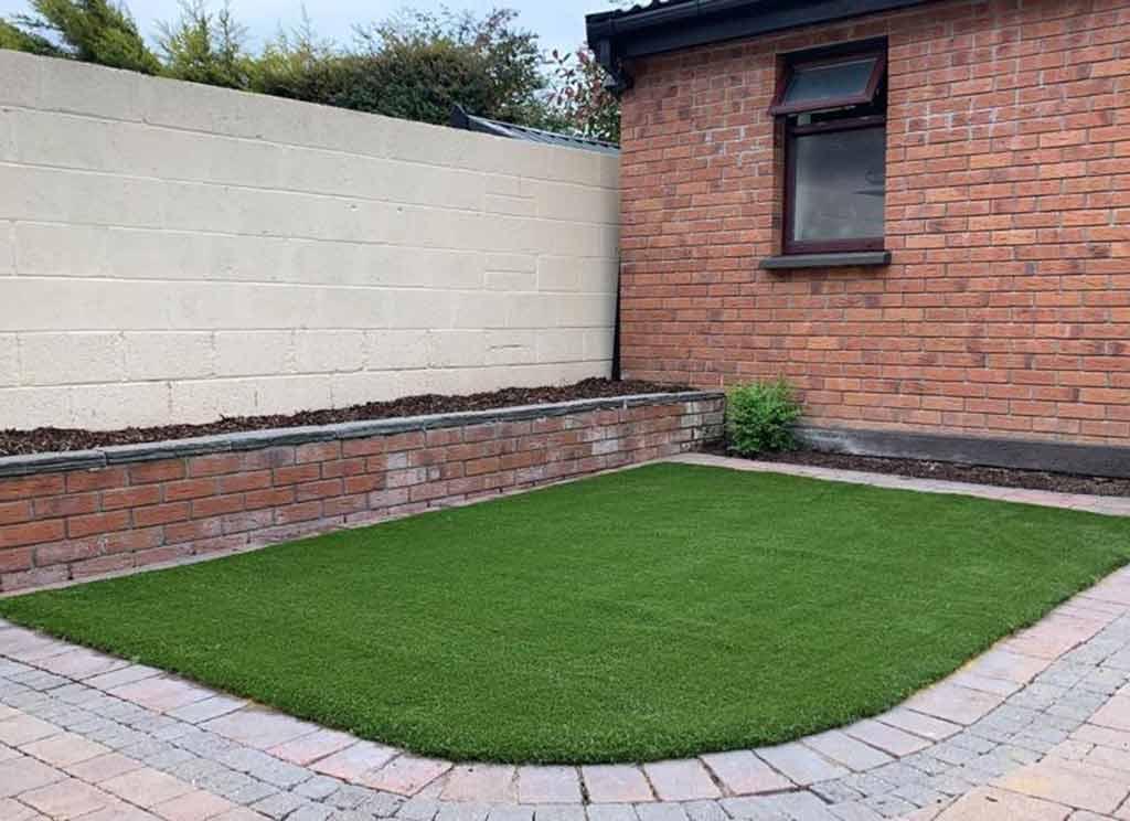 Artificial Grass for small area back garden